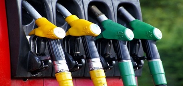 Indian Oil Corp looking to sell some petrol pumps to boost revenue